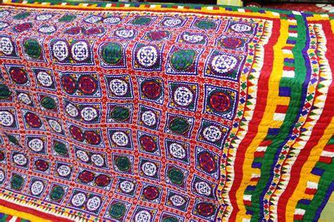 Bedsheet by Kutch Bandhej Indian Handicrafts Bandhani