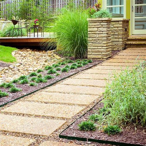 Backyard Walkway Ideas Best 25 Metal Edging Ideas On