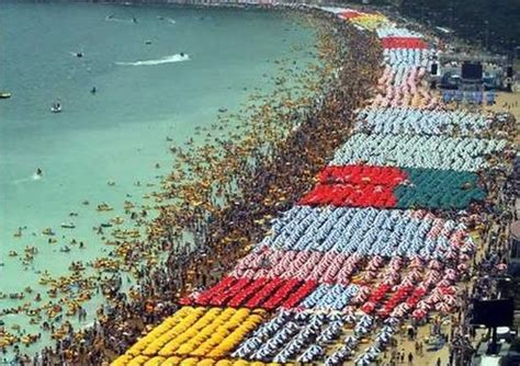 largest beach in the world largest number of beach umbrellas haeundae beach sets