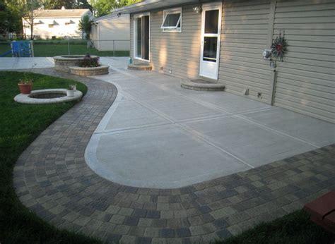 small backyard concrete patio designs