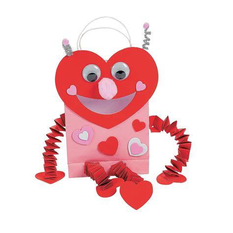 trading crafts bug card holder paper bag craft kit