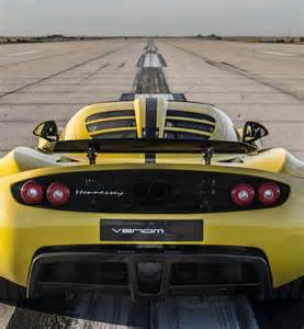 Hennessey Vs Bugatti Photos And Debate Of Hennessey Venom Gt Spyder Vs Bugatti