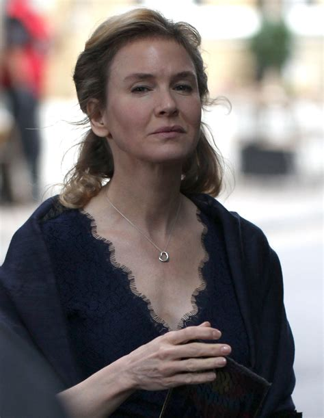 Spotlight Helen Fielding by Bridget Jones Opens Again To Elsa Peretti And