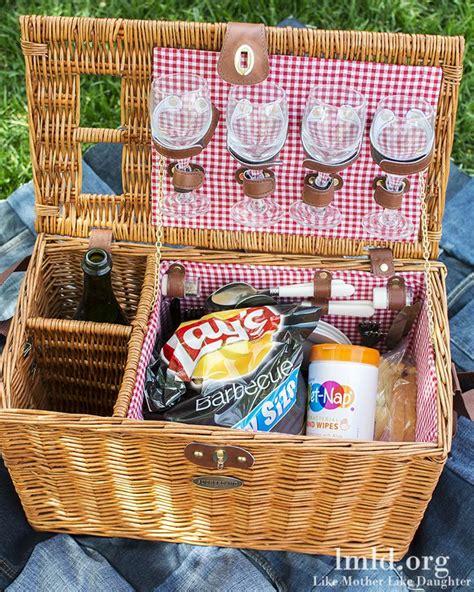 picnic basket ideas 25 best ideas about picnic baskets on pinic basket picnic date and picnic ideas