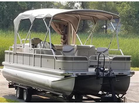 pontoons for sale by owner in minnesota 2004 premier castaway pontoon powerboat for sale in minnesota