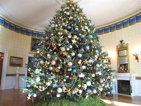quot o christmas tree o christmas tree quot cohen has a ball at