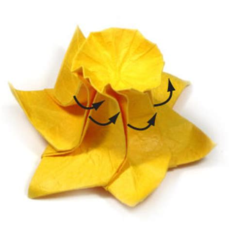 Daffodil Origami - how to make an origami daffodil flower page 24