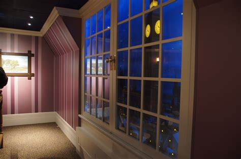 peter pan bedroom peter pan s flight debuts new themed queue taking walt