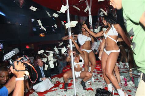 define gossip queen my experience at a strip club in lagos naijasinglegirl