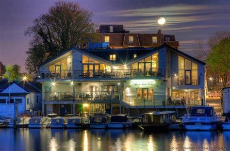 the boatyard surbiton lemon tart bild fr 229 n harts boatyard surbiton tripadvisor