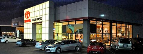 Toyota Dealer Grand Rapids Toyota New Used Car Dealership In Grand Rapids Mi