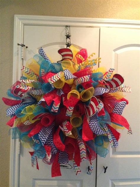 how to make wreaths how to make a mesh wreath 30 diys with instructions guide patterns