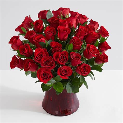 a dozen of the best home decor gift ideas roses delivery send bouquet of roses online from 19 99