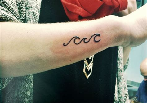 tattoo placement under arm wave tattoo arm placement tattoo ideas pinterest