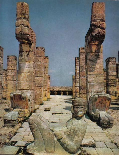 imagenes sensoriales en chac mool escultura del dios chac mool en la entrada del templo de