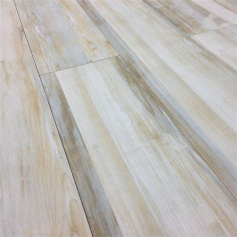 Porcelain Floor Tile That Looks Like Wood Vinyl Plank Flooring That Looks Like Tile Wood Patio Flooring Tag Flooring Dazzling Tile Sle