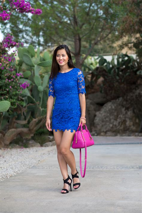 blauwe overhemd jurk outfit kobalt blauw jurkje vs fuchsia accessoires the