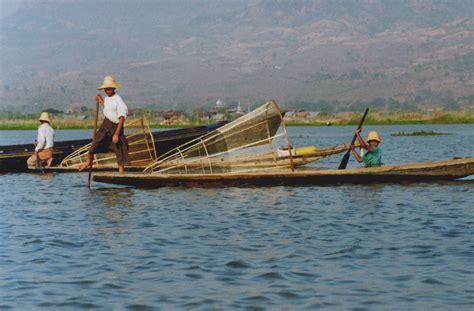 turisti per caso birmania pescatori sul lago inle viaggi vacanze e turismo