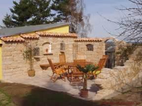 mediterrane terrassen teja curva farbe viellja castilla bilder