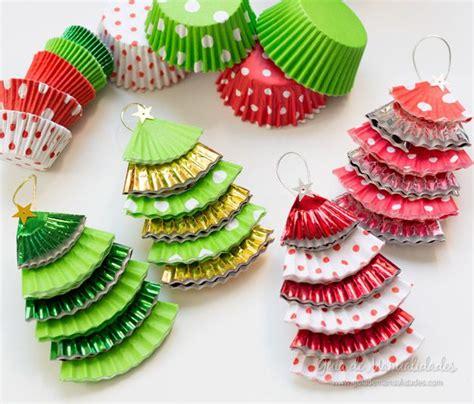 adornos para el rbol de navidad con material reciclado decoraci 243 n navide 241 a con reciclaje adornos centros de