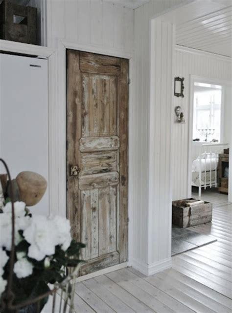 creative ways  reuse   screen door interior design
