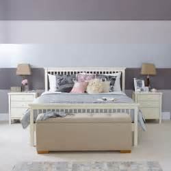 lona de anna how to create a feature wall
