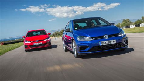 Volkswagen R Gti by Volkswagen Golf Gti Vs R Which Should You Buy