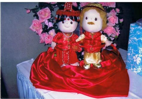 Wedding Gift Niece by Wedding Gift For My Niece A Pair Of Dolls In Traditional