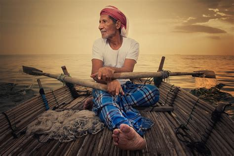 Kaos National Geographic Traditional Boat national geographic abu dhabi and almarai company announce winners of photomentaries 2013