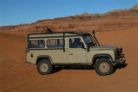 Project Expedition Brown land rover defender and series nao expedition package