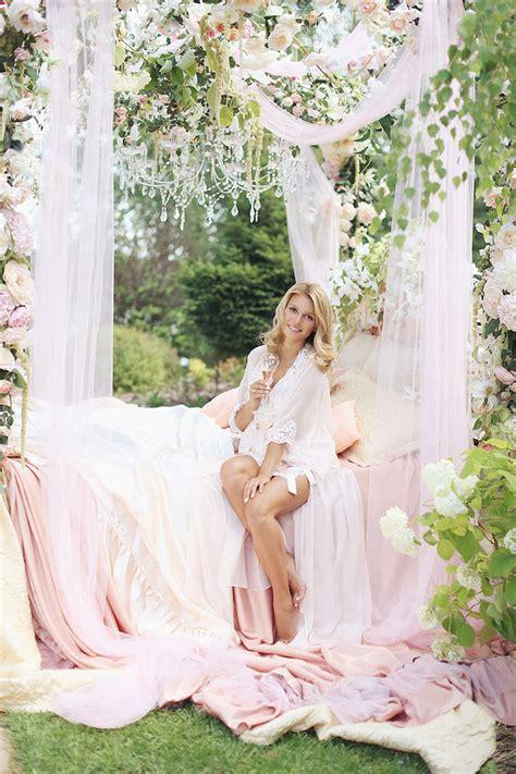 Russia Wedding: Romantic Rose Garden   MODwedding