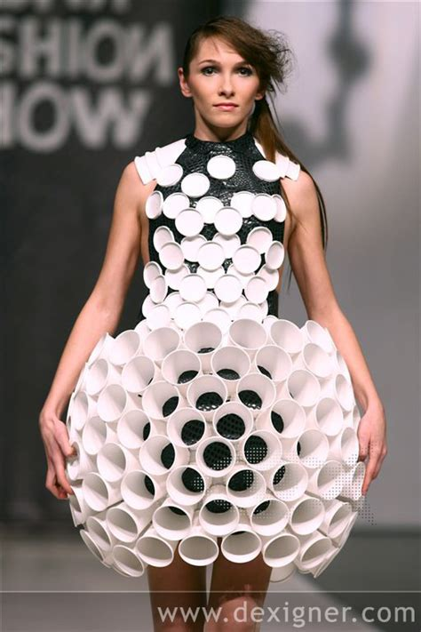 dress design using recycled materials how to recycle trash fashion show