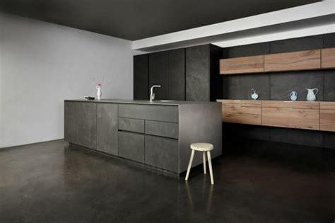 Charmant Murs Cuisine Gris Perle #2: superbe-cuisine-gris-anthracite-meuble-cuisine-gris-anthracite-avec-un-peu-de-bois-toit-gris-anthracite-murs-blancs.jpg