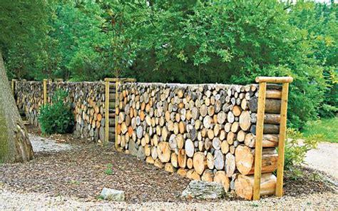 15 Diy Wood Log Ideas For Your Garden Decor 1001 Gardens Building A Walled Garden