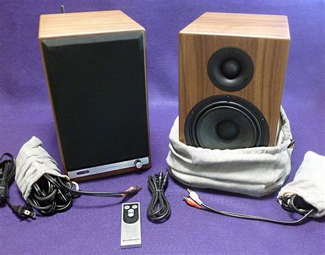 Audioengine Hd6 Walnut audioengine hd6 powered speakers review the gadgeteer