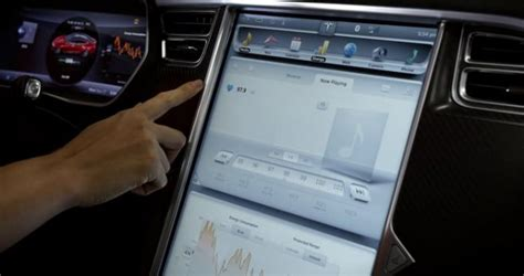 Tesla Touchscreen Tesla Glass De La R 233 Alit 233 Augment 233 E 224 Bord De Nos