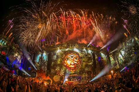 top 10 house music websites top 10 most popular music festivals tomorrowland beats coachella others your edm