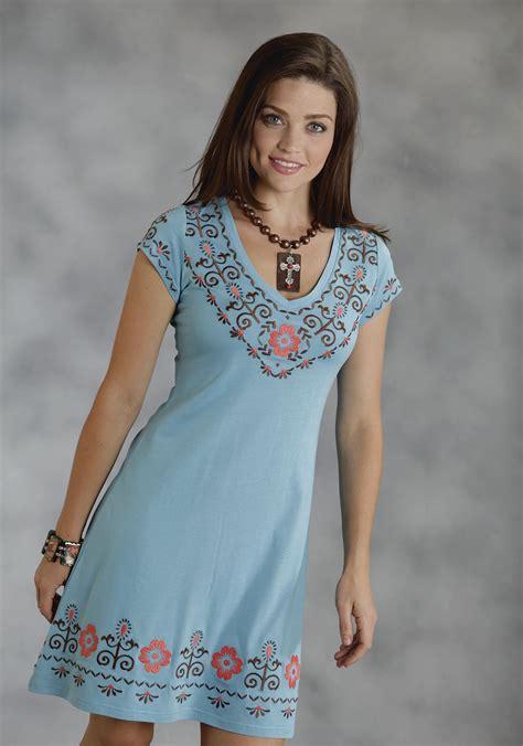 Wst 18822 Blue Flower Embroidered Shirt 1 roper 174 blue a line flower embroidered v neckline ss