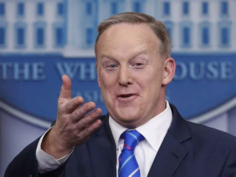 sean spicer no camera sean spicer says president trump s under no obligation to