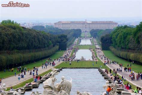 i giardini della reggia di caserta i giardini e la reggia di caserta in cania italia