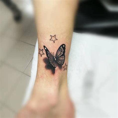 mariposa y estrellas tatuajes para