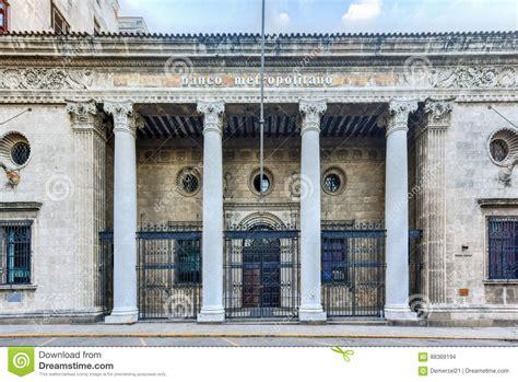 banco metropolitano de cuba banco metropolitano la habana cuba foto de archivo
