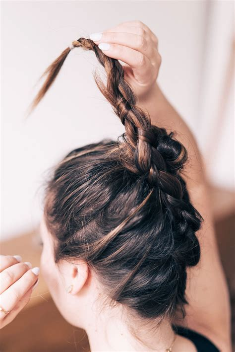 3 no heat wedding hair styles to vogue or bust - Wedding Hairstyles No Heat