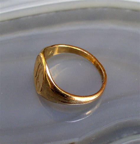 child s signet ring thingery previews postviews thoughts