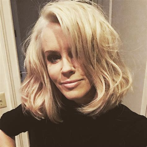 does jenny mccarthy have hair extensions with her bob does jenny mccarthy wear hair extensions on her show donny