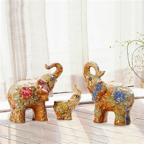gifts for home decoration european style ceramic animals lucky family elephant decoration cartoon ornaments souvenirs
