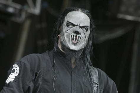 slipknot s mick thomson stabbed in knife fight with brother