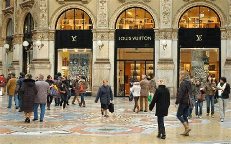 best places to shop in milan best places to shop in italy italy shopping vacationr