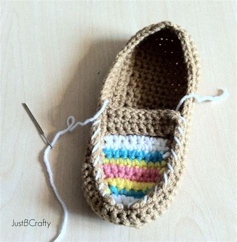 tribal pattern tutorial crochet tribal moccasin tutorial moccasins yarns and