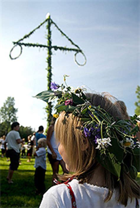 wann ist mittsommer schweden mittsommernacht schwedisches midsommar